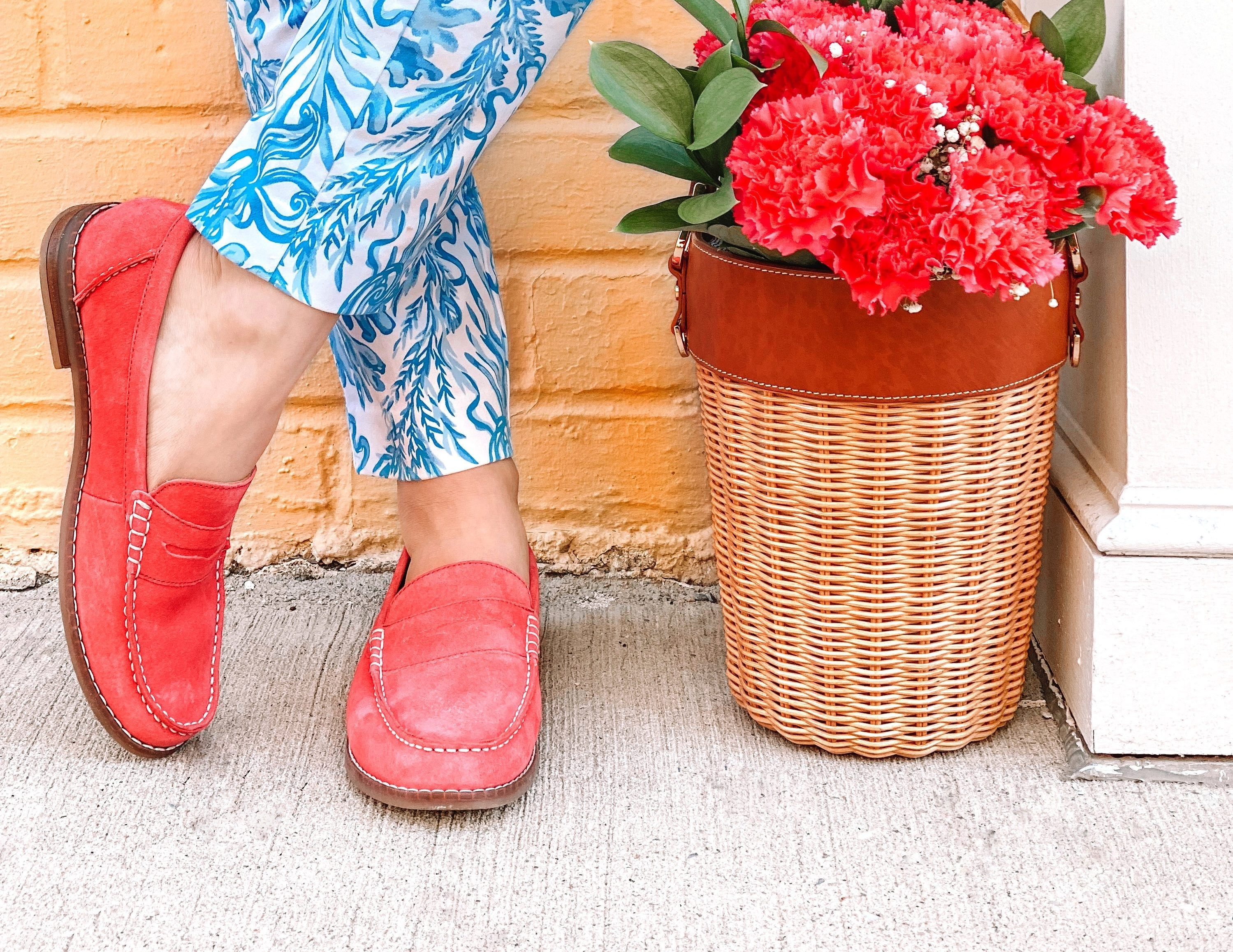 Colorful Spring Outfits with Hush Puppies Wren Loafer